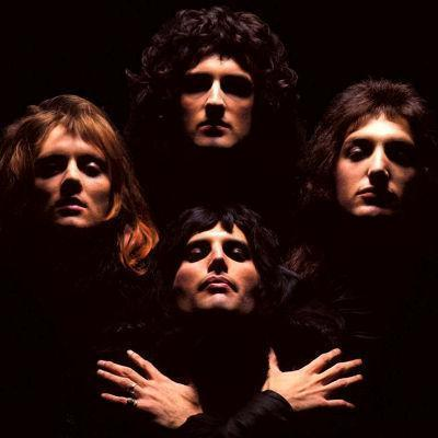 Lyrics and chords of songs by ''Queen''